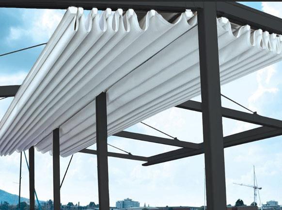 Tại sao nên sử dụng mái che xếp lượn sóng cho cửa hàng